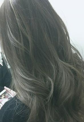 外国人風7/シークレットアッシュ/滋賀県の美容室、彦根ブブのヘアカラーです。
